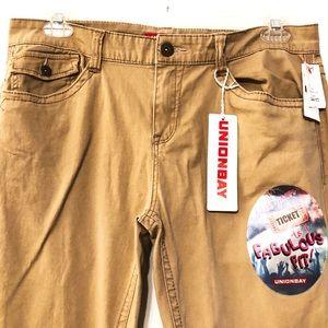 NWT UNIONBAY Khaki Pants Sz 15 Juniors
